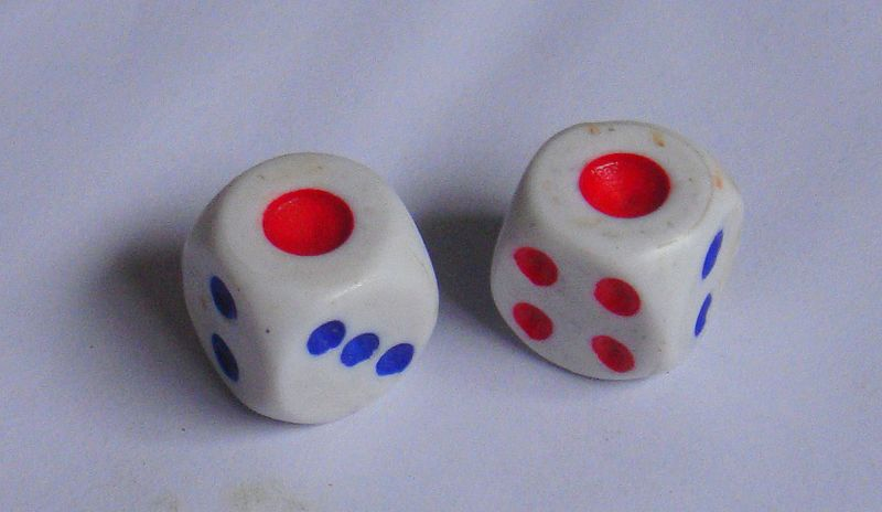 Snake_eyes_with_Chinese_dice